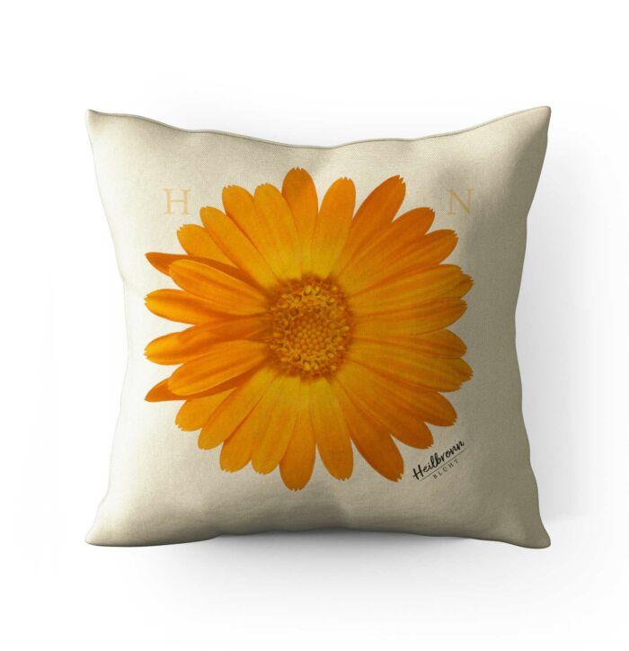 Heilbronn Kissen als Geschenk mit Blumenmotiv Calendula